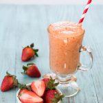 Tropische aardbeiensmoothie – lekker zoet en exotisch