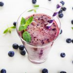 Smoothie met Blauwe bessen, Spinazie en Avocado